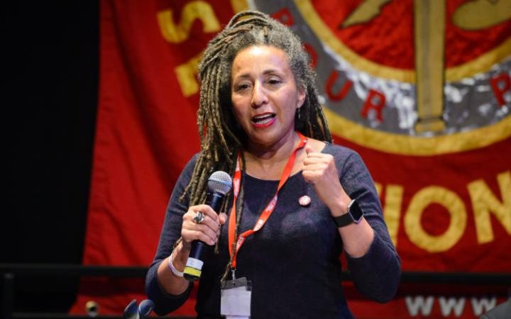 109652984_Jackie_Walker_vice-chair_of_Momentum_speaks_at_7Fight_Austerity_Fight_Racism7_a_panel_disc-large_trans++gsaO8O78rhmZrDxTlQBjdGtT0gK_6EfZT336f62EI5U