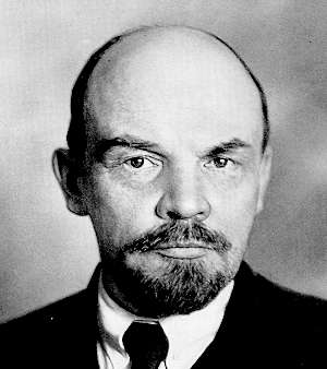 Karl Kautsky proposed and Vladimir Lenin seconded the Labour Party's admission to the Socialist International in 1908